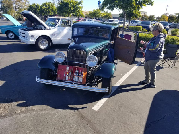 Cruisin' Car Show For A Cause